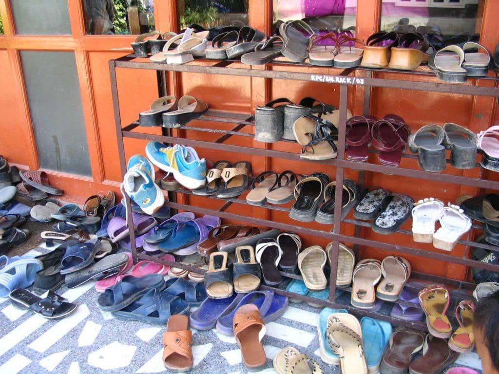 Interserve Schoenen in de kerk